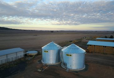 on farm flat bottom silos